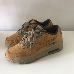 Nike Air Max WMNS 6.5 tan leather good condition!